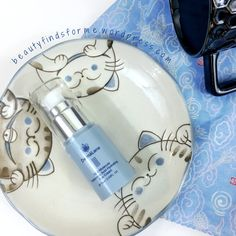 This is my third item that I have tried from the Naruko DermaLane 1000-Molecule Hyaluronic Acid series. I really love the Hydrating Night Gelly and the Essence ~ I was given the chance to try out…