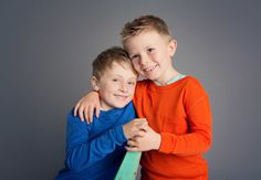 Children & Family Portrait Photography by Jo Frances Wellington - Classic photo of young brothers hugging affectionately, by Jo Frances Studio Photos, Photo Studio, Child Portraits, Family Portraits, Family Portrait Photography, Children And Family, France, Classic, Cute