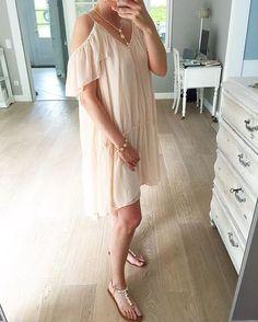 Happy Sunday liebe Instas 💞wir haben Sommer 🌞🌞🌞32 grad ...es ist unglaublich 🙈😊 wir genießen es bis es donnert und blitzt🌩⚡️😄😄😄#OOTD #fashion #h&m #istagood #potd #instadaily #whatiwore #whatiworetoday #kleid #dress #rosa #pastels #streetstyle #bohochic #bohodress #summertime #summerstyle #hmootd