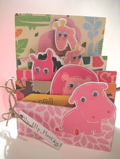 Zoo mini album.  This would be so cute for a child with pictures of a trip to the zoo!