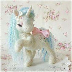 Handmade Needle felt Fairy Unicorn SugarShimmers by BatnBunny Needle Felted Animals, Felt Animals, Unicorn Birthday, Unicorn Party, Wet Felting, Needle Felting, Deco Kids, Unicorns And Mermaids, Felt Fairy
