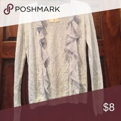 Cute Sweater! Wears well with leggings, jeans, skirts, dress pants, etc Hollister Tops