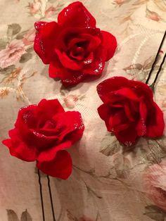 ハンドメイドマーケット minne(ミンネ)| 真紅のバラ飾りUピン 3本セット