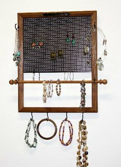 organisateur de bijoux on pinterest jewelry holder earring holders and organizers. Black Bedroom Furniture Sets. Home Design Ideas