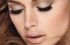 Los ojos son la parte más expresiva de toda persona, especialmente de las mujeres, mediante los ojos se pueden expresar la personalidad y el estado de ánimo, es por ello que de ahí sale la conocida frase: los ojos son el espejo del alma...Aprende como maquillarte en: http://videosdecomomaquillarse.com/maquillaje-natural-para-ojos/