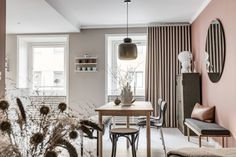 Be inspired by the New Nordic Interior Trend, the Scandinavian Style which is the top style On Trend Now for interiors and design Interior Design Blogs, Estilo Interior, Interior Styling, Murs Beiges, Murs Roses, Decorating Your Home, Interior Decorating, Decorating Websites, Design Furniture