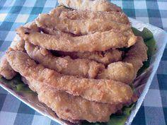 Altfel de snitele de pui Romanian Food, Onion Rings, Fried Chicken, Apple Pie, Fries, Cooking, Ethnic Recipes, Desserts, Pastries