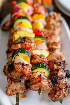 #ad Here is a delicious recipe by Kylee @kyleecooks bit.ly/2Hm9Eql - I am so looking forward to grilling this year! To make this Roasted Garlic & Black Pepper Grilled Pork Kabobs all you need is Smithfield Pork Tenderloin and fresh veggies - #GetGrillingAmerica !