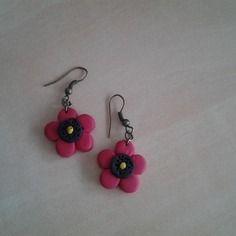 Boucles d'oreilles fleurs 6€
