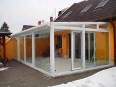 Télikert beépítés Balcony Garden, Garage Doors, Outdoor Decor, Home Decor, Gardens, Room, Gardening, Ideas, Winter Garden