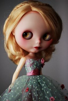 My last photo of this dress. by Trio Blythe, via Flickr