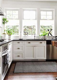 siyah-beyaz-mutfak-halisi
