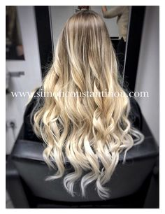How pretty is this natural blonde, balayage ombré by StephSteph used Olaplex throughout the lifting process to keep the clients hair in top condition, we love the result! #simonconstantinou #iamgoldwell #behindthechair #modernsalon #blondebalayage #balayage #olaplex #olaplexuk #trymhair #balayageombre #goldwell   If you would like to book in with Steph or one of our talented colourists call us on  02920461191 O.Constantinous & Sons. 99 Crwys Rd, Cardiff. CF24 4NF