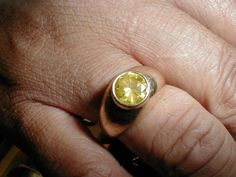 1.35 ct. Canary Fancy yellow flawless    Posted by FLiP7983