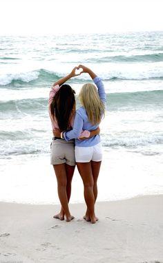 Sister photos, friend photos, best friend pictures, bff pics, cute be Best Friend Poses, Best Friend Pictures, Photos Bff, Beach Photos, Bff Pics, Sister Photos, Prom Pics, Cute Photos, Pretty Pictures