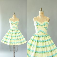 Vintage 50s Dress/ 1950s Cotton Dress/ Light by WhenDecadesCollide