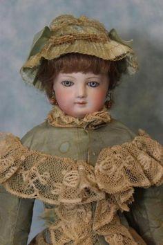 18-inch-Jumeau-French-Fashion-Doll-4-orig-Fashion-body-antique-dress-Blue-eyes