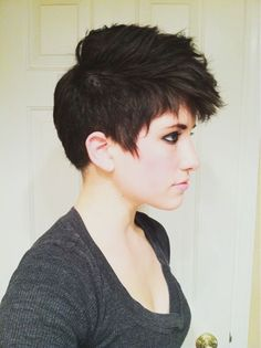 Pixie faux-hawk. I wish I could pull this off; I have always wanted short hair. DAMN MY ROUND FACE!! Even when I'm skinny, I have a round face :(