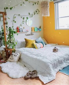 dream rooms for adults bedrooms * dream rooms ; dream rooms for adults ; dream rooms for women ; dream rooms for couples ; dream rooms for adults bedrooms ; dream rooms for girls teenagers Bedroom Inspo, Diy Bedroom Decor, Living Room Decor, Bedroom Storage, Budget Bedroom, Ikea Storage, Living Rooms, Aesthetic Rooms, Aesthetic Yellow
