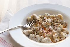 The Turkish form of manti dumplings as served at Troya Mediterranean Kitchen has some familiar reference points for Western palates, landing somewhere on the spectrum. Gf Recipes, Greek Recipes, Istanbul Food, Turkish Recipes, Ethnic Recipes, Oriental, Mediterranean Kitchen, Dumplings, Cooking Time