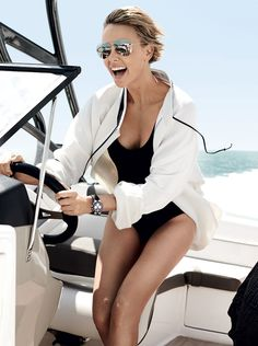 charlize-theron-in-vogue-magazine-june-2014-issue_6.jpg 1,000×1,342 pixels
