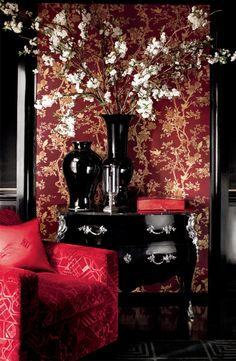 Ralph Lauren Homes iconic chinoiserie Marlowe wallcovering accompanies the equally ornamental Noel Mohair Gauffrage. Red Home Decor, Bedroom Red, Ralph Lauren, Interior Decorating, Interior Design, Luxury Interior, Home Wallpaper, Luxury Wallpaper, Chinoiserie