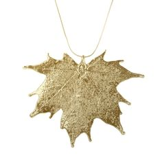 Nature Jewellery: Mesmerizing Maple: Maple Leaves dipped in Gold I MY MAGNIFICO #naturejewellry #gold #gifts #magnifico