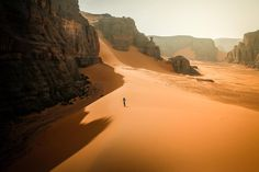 Shared by Yllande. Find images and videos about aesthetic, nature and landscape on We Heart It - the app to get lost in what you love. Jaal Mass Effect, Dune, Desert Aesthetic, Maleficarum, And So It Begins, Wanderlust, Breath Of The Wild, Borderlands, Far Away