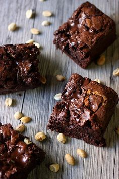 Gooey Peanut Butter Chocolate Chip Brownies {Mind Over Batter}