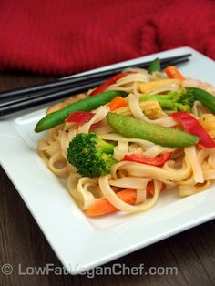 Low Fat Vegan Quick Pad Thai With Rice Stick Noodles Veggies and Peanut Sauce