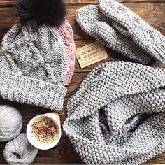WEBSTA @ romanovaknitwear - Самые теплые и нежные комплекты @romanovaknitwear ♡Купить свою шапочку можно на сайте www.romanovaknitwear.com, в директе или whatsapp/viber 8(916)148-6266 #romanovaknitwear