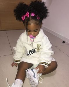 Cute Mixed Babies, Cute Black Babies, Black Baby Girls, Beautiful Black Babies, Cute Baby Girl, Cute Babies, Cute Kids Fashion, Baby Girl Fashion, Kids Curly Hairstyles