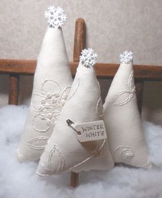 Primitive Folk Art Trees WINTER WHITE Embroidery Christmas Tree Tucks Holidays  #NaivePrimitive #auntiemeowsatticprims