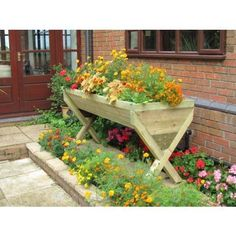 Very cool planter box...mother's day?