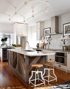 Sarah Richardson Design - farmhouse - kitchen - toronto - by Stacey Brandford Photography