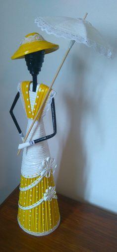 African Dolls, Indian Dolls, Newspaper Basket, Newspaper Crafts, Clay Crafts, Diy And Crafts, Arts And Crafts, Rolled Paper Art, African Paintings