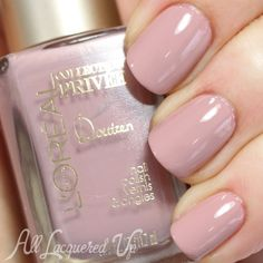 L'Oreal Paris Doutzen's Nude is a pink-tinged light mauve (two coats), loving it. This colour is quickly becoming a July favourite, perhaps even HG? Might even wear this on my wedding day... Ooo... Tough decision because it would have to beat out Essie's Marshmallow.