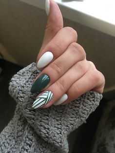 nails simple classy \ nails simple - nails simple elegant - nails simple short - nails simple acrylic - nails simple design - nails simple classy - nails simple neutral - nails simple elegant natural looks Nail Art Designs, Green Nail Designs, Winter Nail Designs, Winter Nail Art, Winter Nails 2019, Almond Nails Designs, Autumn Nails, Easy Nails, Simple Nails