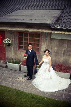 2011 瑩 自助風格婚紗 Ariesy禮服提供 - Ariesy 愛瑞思 新秘 * 自助婚紗 * 歐美 韓風 日系風格 鮮花編髮造型 - 無名小站
