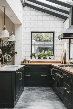 Transcendent Kitchen cabinets layout ideas tips,Small kitchen design plans layouts and Kitchen remodel jacksonville fl tricks. Modern Kitchen Design, Interior Design Kitchen, Kitchen Designs, Modern Interior, Modern Design, Design Design, Modern Contemporary, Design Styles, Design Concepts