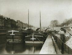 Le quai des Célestins, avec vue sur les quais de l'Ile Saint-Louis, photographié par Eugène Atget en 1903. (Paris 4ème)