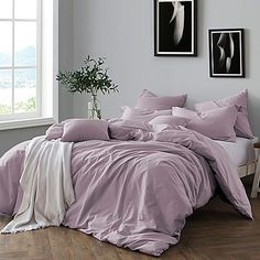 Dress your bed in sophistication with the Swift Home Prewashed Yarn-Dyed Duvet Cover Set. Yarn-dyed for a cozy, lived-in look and feel, the beautiful bedding brings an effortless touch of understated luxury to your bedroom& décor. King Duvet Cover Sets, Duvet Sets, Ikea Duvet Cover, Luxury Bedding Sets, Queen Duvet, King Comforter, My New Room, Bedroom Decor, Bedroom Ideas