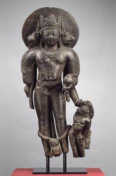 Vishnu as Para Vasudeva-Narayana [India] (1991.301) | Heilbrunn Timeline of Art History | The Metropolitan Museum of Art