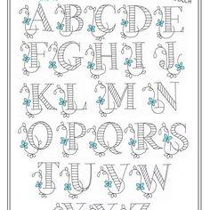 3月のロカリ連載は、アルファベットA〜Z全部載せました!(もちろん無料ダウンロードできます。ロカリサイトからどうぞ。ホームページにロカリリンクがあります) 今回は誰でも簡単にできるように、バックステッチ(返し縫い)とサテンステッチ(花部分)で図案を作ったので、色々なモノに刺繍して楽しんでもらえたら嬉しいです! ・ ・ #刺繍 #手刺繍 #刺しゅう #ハンドメイド #ししゅう #手作り #embroidery #자수 #手芸 #刺繡 #刺繍部 #bordado #刺绣 #embroideryart #embroideryfloss #embroiderydesign #handembroidery #자수 #เย็บปักถักร้อย #nakış #川畑杏奈 #annas #アンナス #アルファベット #イニシャル #ロカリ #LOCARI #刺繍図案