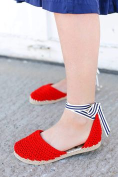 "Learn how to make crochet espadrilles with flip flop soles in this free pattern and tutorial from Make and Do Crew! These crochet sandals feature Lion Brand Cotton in ""Red. Crochet Sandals Free, Easy Crochet Slippers, Crochet Boots, Crochet Clothes, Knit Crochet, Diy Crochet Espadrilles, Cotton Crochet, Crochet Shoes Pattern, Shoe Pattern"