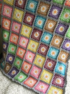 Ravelry: Project Gallery for Daisy Granny Square pattern by Tillie Tulip