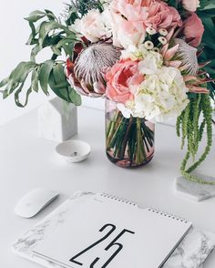 Leminimo Marble MacBook Case and marble coaster to decorate your office Marble Macbook Case, Have A Lovely Weekend, Marble Coasters, I Love Coffee, Flower Vases, Flower Power, Pink Flowers, Glass Vase, Floral Design