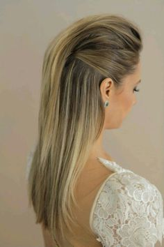Wedding Hair Down modern and sleek wedding hairstyle; via Marcos Proenca - Half up half down wedding hairstyles flatter almost any bride because of the versatility of styles. Be inspired and learn how to achieve this look. Down Hairstyles, Straight Hairstyles, Prom Hairstyles, Korean Hairstyles, Japanese Hairstyles, Simple Hairstyles, Vampire Hairstyles, Pretty Hairstyles, Faux Hawk Hairstyles