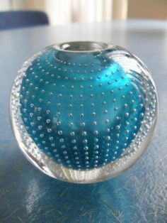 Blown Glass Art, Art Of Glass, Glass Paperweights, Glass Vase, Vases, Glass Collection, Glass Design, Colored Glass, Sculptures