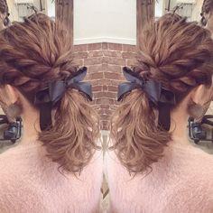 weddinghair ポニーテール作るのが好きなんです(^^)✨ 特に下ろす髪の毛をほぐすとき 分かってくれる人いるかな笑 ・ ・ ヘアセットご予約はDMか LINE→carryberry111 お急ぎの方はLINEにお願い致します ・ #ヘアセット#ヘアアレンジ#ヘアメイク#ヘアスタイル#結婚式ヘア#ブライダルヘア#ポニーテール#ローポニー#編み込み#二次会ヘア#プレ花嫁#コンサート#ジャニーズ#パーティーヘア#ウェディング#hairmake#hairarrenge#hairstyle#makeup#bridal#wedding#美容師#美容室#大阪